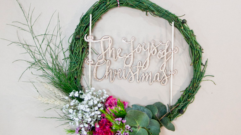 How To Make A Christmas Wreath + Oaten's Workshop Wrap Up